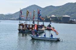 鞆の浦観光鯛網の船団